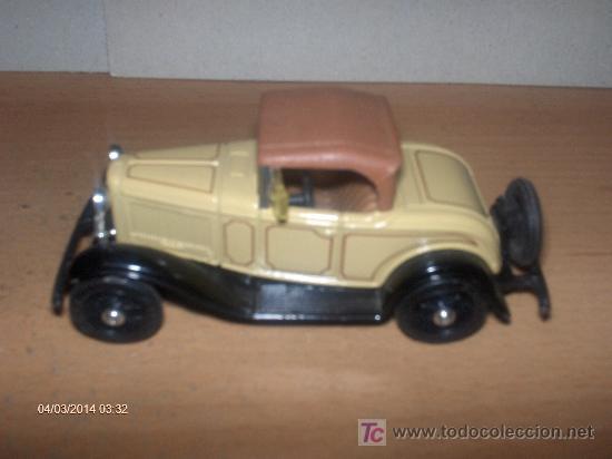 Coches a escala: ERTL -----1932 FORD ROADSTER DE LUXE - Foto 1 - 17191938